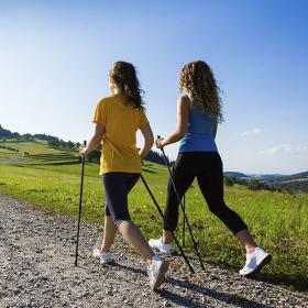 Nordic Walking – rola instruktora w nauce aktywności ruchowej